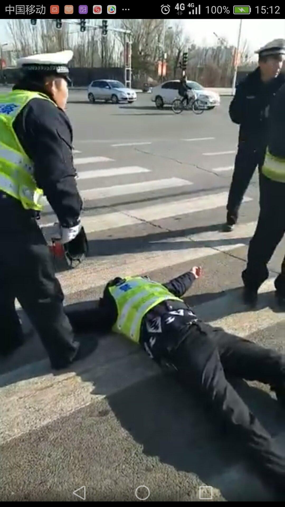济宁交警三大队_辟谣:这段交警执法视频事发地并非济宁!