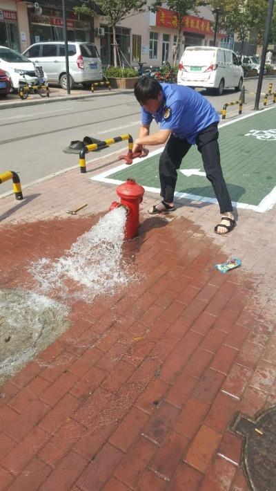 <b>滨河大道供水单井开始补水 其他三眼单井也将启用</b>