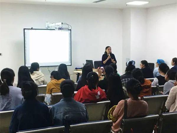 <b>济宁市第一人民医院举办2019年第三期PICC维护专业护士培训班</b>