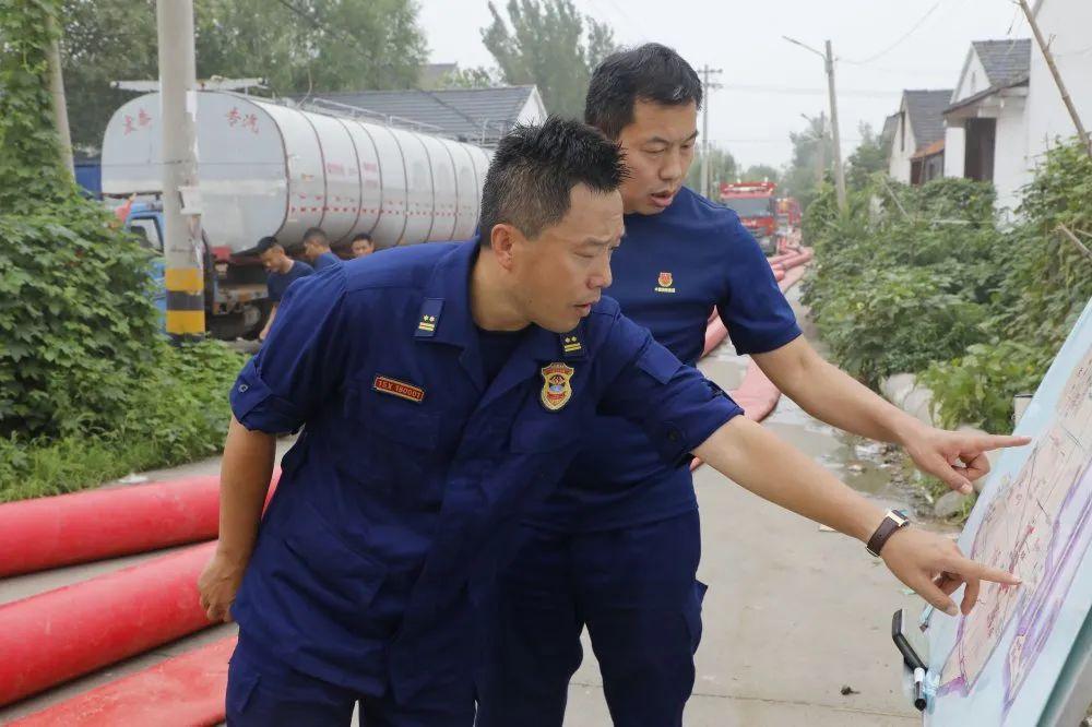 36小时的风雨坚守 济宁消防支队紧急奔赴洪涝区域开展救援